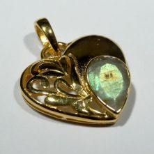 P406b-Lab Labradorite Heart Pattern Pendant in gold plated brass