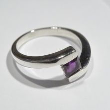 R180-AME-Amethyst Simple Square Facet Pattern Ring